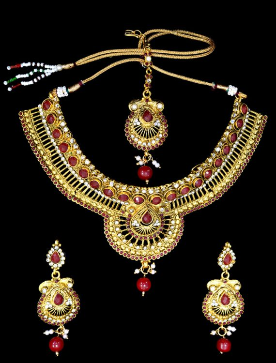 Three Piece Gold Polished Jewelry Set